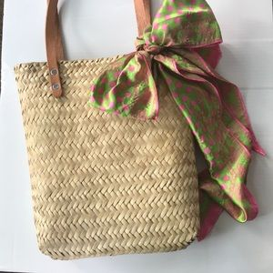 Handbags - 💗💚HOST PICK💚 💗Straw Tote with detachable scarf
